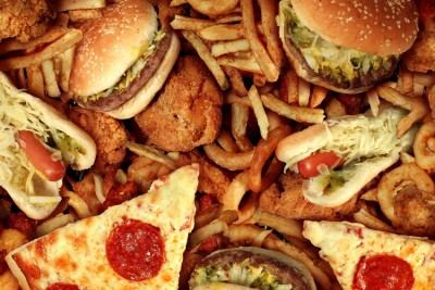 Wil-Global-Warming-Make-You-Fat-Adelaide-Review-the-conversation-2016-health-sustainability-junk-food-hamburgers-fries-hotdogs