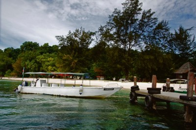 Manukan-Island-Adelaide-Review-Travel-Indonesia-2016-island-paradise