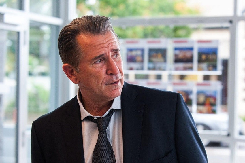 a-month-of-sundays-review-adelaide-review-anthony-lapaglia--film