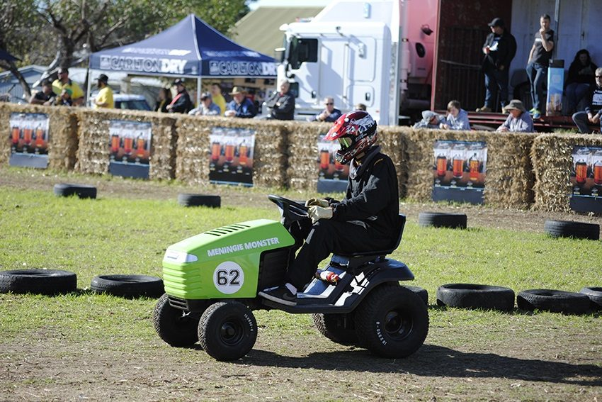 Good Country: Mullet, mower races and an ostrich-riding bushranger in Meningie