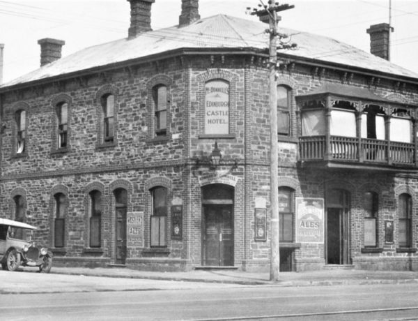 The Ed Castle Hotel, 1926 (Photo: State Library of South Australia)