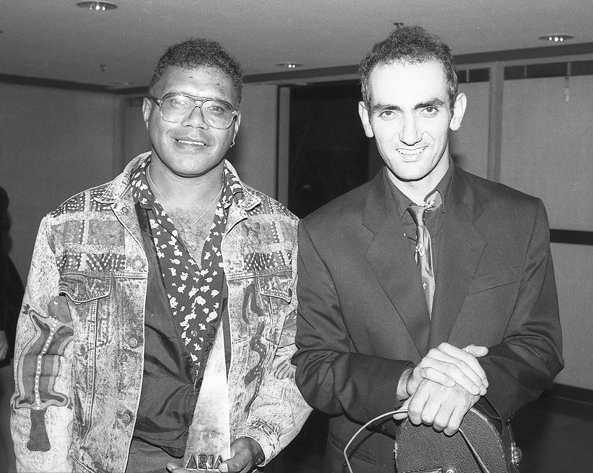 Archie Roach and Paul Kelly at the 1990 ARIAs